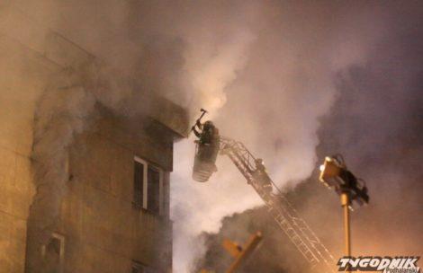 """Pożar w budynku """"Watry"""" w Zakopanem. Kobieta w ciężkim stanie"""