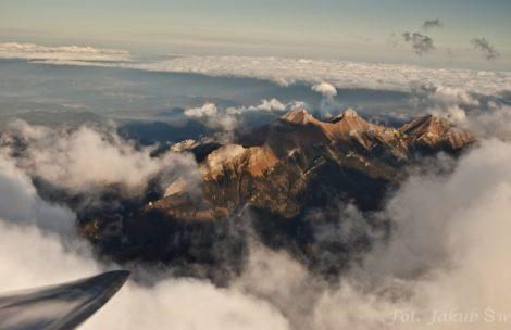 Kolejny lot falowy nad Tatrami. Zobacz niesamowite zdjęcia