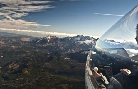 Szybowcem nad Tatrami w czasie halnego. Zdjęcia powalają!