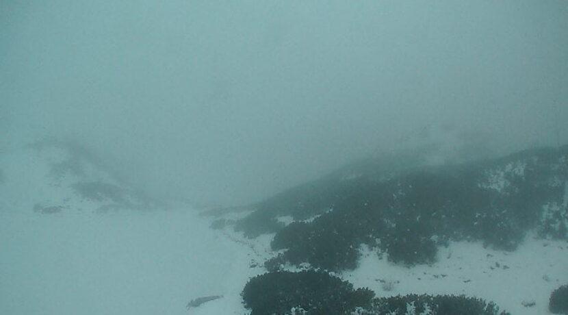 Świeży śnieg w Tatrach, sypie również w Zakopanem