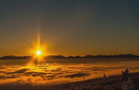Piękny wschód słońca z widokiem na Tatry (timelapse)