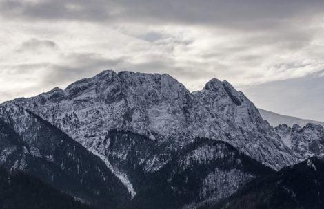 Mężczyzna chciał popełnić samobójstwo w Tatrach. Uratowali go policjanci