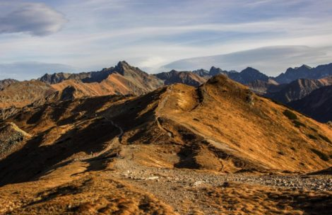 Tatrzańskie szczyty dostępne szlakiem turystycznym – pełna lista