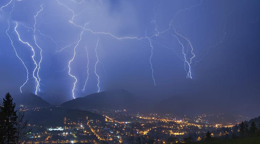 Uwaga na burze w Tatrach! Pamiętaj o tych zasadach zachowania