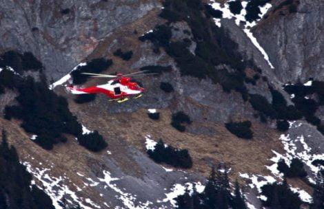 Wypadek w Tatrach, turystka poślizgnęła się na śniegu