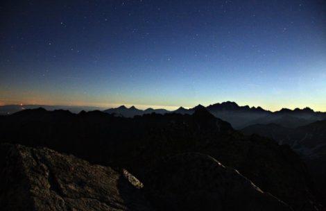 Cisza, spokój i gwiazdy. Noc na Świnicy (ZDJĘCIA)