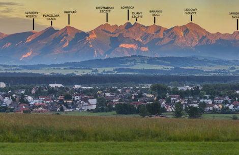 Piękny widok na Tatry z Nowego Targu – zobacz opisaną panoramę