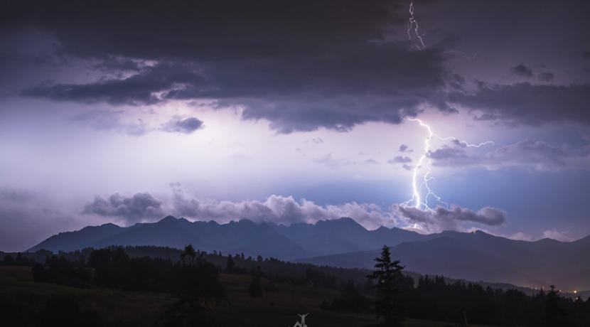 Silne burze w Tatrach, piorun trafił i sparaliżował turystę