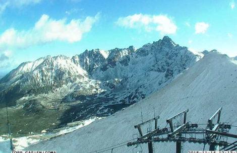 W Tatrach spadł śnieg, uwaga na oblodzenia!
