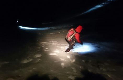 Turysta utknął pod Krywaniem, nocna akcja ratunkowa