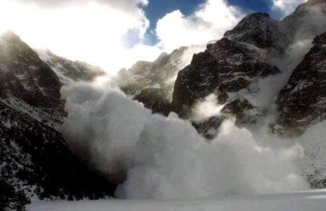 Niebezpieczeństwo lawin w Tatrach. TOPR: Nie wychodźcie w góry!