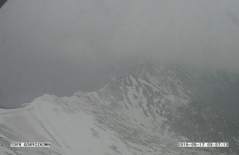 Zima nie odpuszcza! W Tatrach znów sypie śnieg
