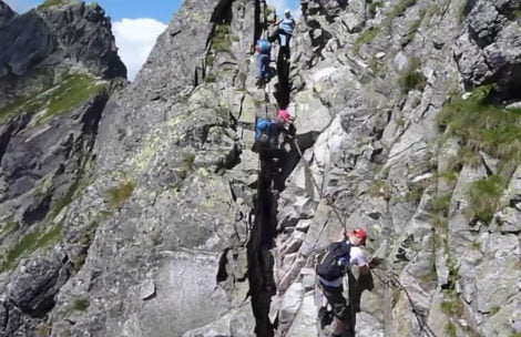 """Orla Perć """"krok po kroku"""". Przydatny film z najtrudniejszego szlaku w Tatrach"""