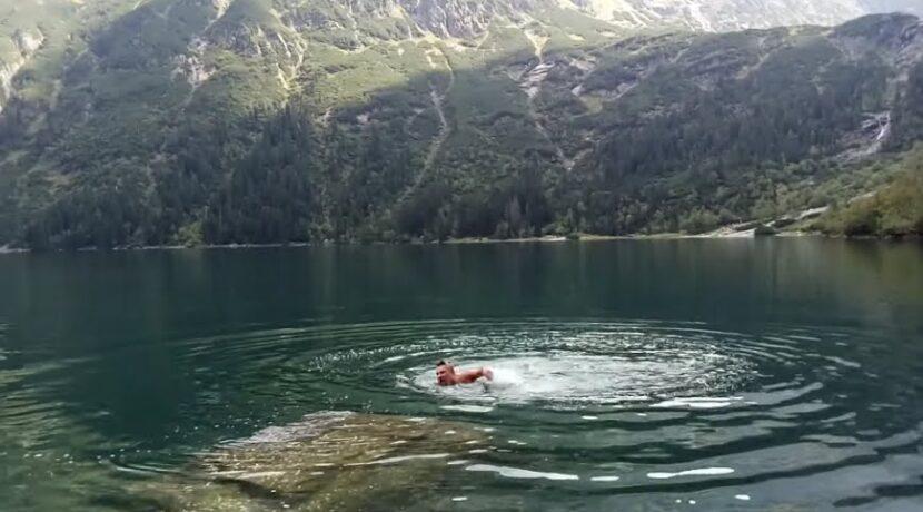 Rosjanin, który wykąpał się w Morskim Oku przeprasza. I chce przyjąć mandat