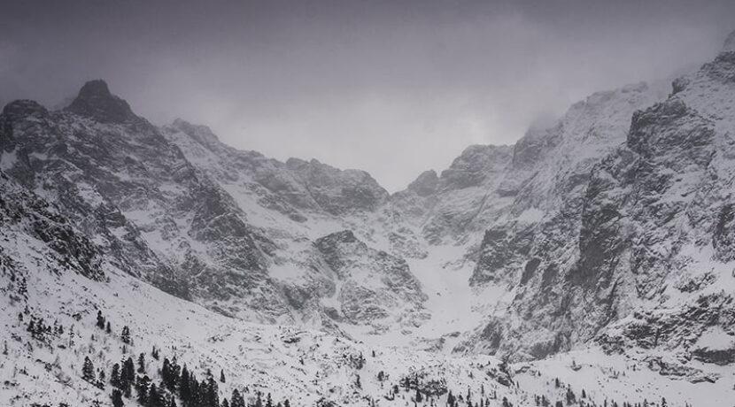 Znaczne zagrożenie lawinowe w Tatrach! Ludzie, szanujcie swoje życie