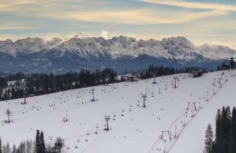 Rozpędzony narciarz staranował ratownika TOPR