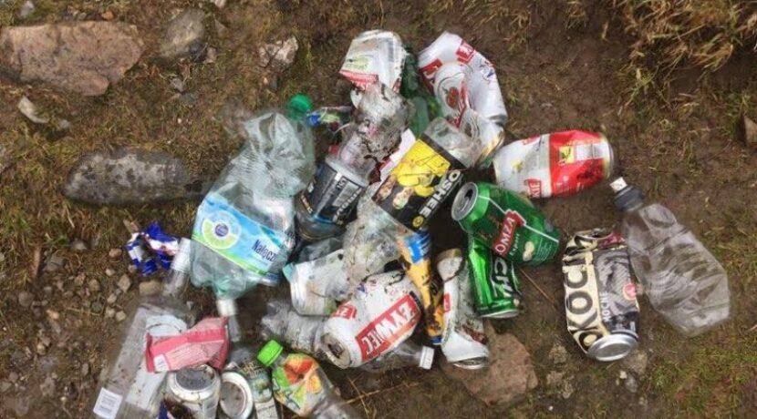 Majówka w Tatrach. Te śmieci zniesiono z Giewontu