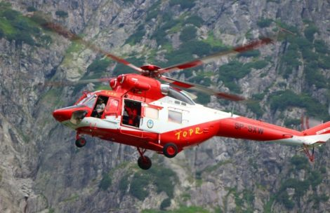 Akcja ratunkowa w Tatrach. Śmigłowiec nie może dolecieć