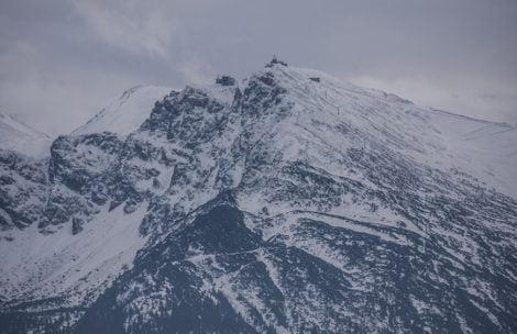Szlaki otwarte, w Tatry wraca zima. Ile śniegu spadnie?