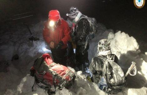 Turyści bez latarek utknęli nocą na Kopie Kondrackiej. Trudna akcja ratowników TOPR