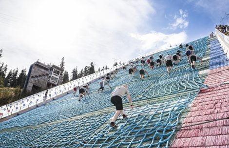 Kto pierwszy na szczyt…skoczni. Chętni pobiegną w górę Wielkiej Krokwi
