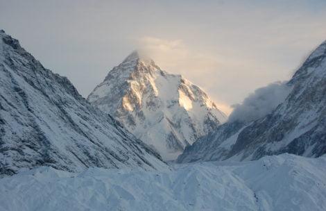 Szczyt K2 coraz bliżej! Bargiel i Gołąb założyli obóz III