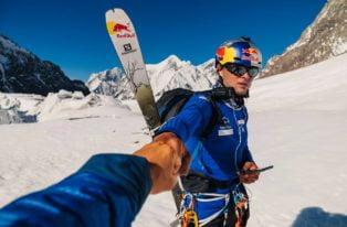 Andrzej Bargiel wszedł na niezdobyty Yawash Sar II i zjechał z niego na nartach!