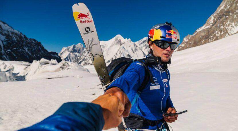 Andrzej Bargiel jedzie na Mount Everest. Chce wejść bez tlenu i zjechać na nartach!