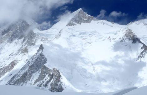 Adam Bielecki na szczycie Gasherbruma II!