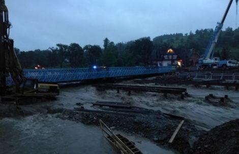 Podhale zalane wodą, zamknięty most w Białym Dunajcu (ZDJĘCIA, FILM)