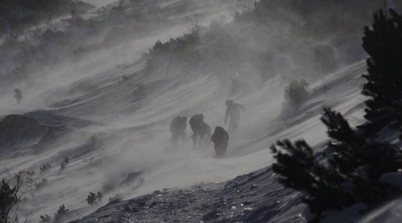 Silny halny w Tatrach! Prędkość wiatru przekracza 130 km/h!