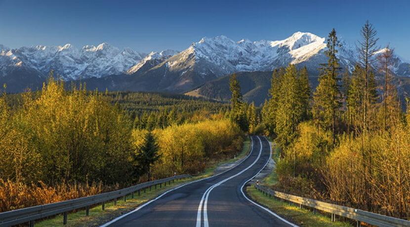 Piękna droga z widokiem na Tatry. Sprawdź gdzie to dokładnie
