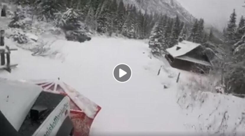 Taką mamy zimę na drodze do Morskiego Oka (FILM)