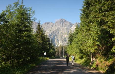 Plac budowy w Tatrach. Będzie nowy asfalt na drodze do Morskiego Oka