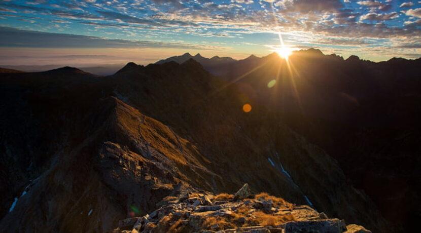 Jesienne krajobrazy z przełęczy Krzyżne. Te zdjęcia potrafią zachwycić! (GALERIA)