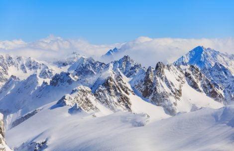 Cud w Alpach! Dziecko spędziło pod lawiną 40 minut, odnalazł je pies