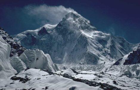 K2: Ciąg dalszy poszukiwań zaginionych himalaistów. Śmigłowce wystartowały