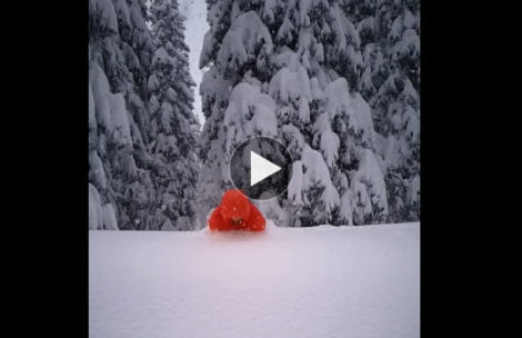 W Tatrach śniegu tyle, że można w nim się kąpać! (FILM)