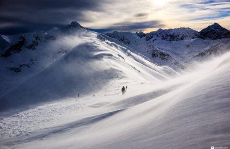 Bardzo silny wiatr w Tatrach! Na Kasprowym Wierchu 166 km/h