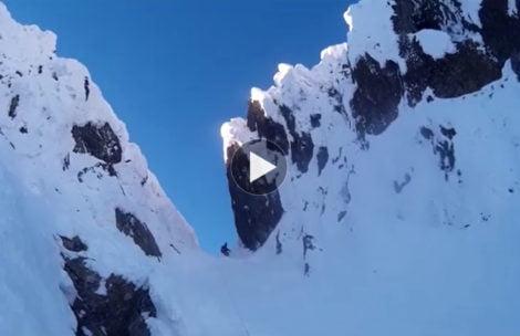 Najbardziej emocjonujący fragment Orlej Perci zimą. Ten film robi wrażenie
