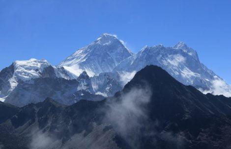 Z Everestu na Lhotse w 6 godzin! Rekordowy wyczyn Nepalczyka