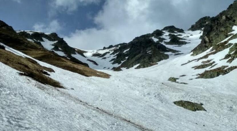 Tak wygląda obecnie szlak na Krzyżne. Uważajcie, w Tatrach nadal zalega mnóstwo śniegu!