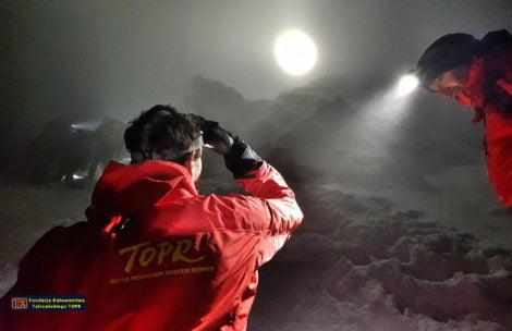 Turyści utknęli na Orlej Perci, bali się schodzić. Nocna akcja TOPR