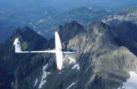 Szybowcem nad Tatrami. Niesamowite zdjęcia z powietrza (GALERIA)