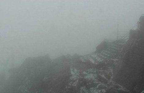 Opad śniegu i mróz w Tatrach, uwaga na oblodzenia!