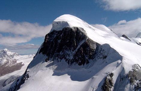 Polski alpinista zginął w Alpach. Ciało znaleziono na dnie wąskiej szczeliny