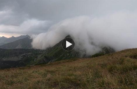 Chwile przed burzą…Oto jak szybko potrafi zmieniać się pogoda w górach (FILM)