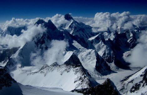 Denis Urubko zdobył Gasherbrum II solo nową drogą. Bez tlenu, bez wody…