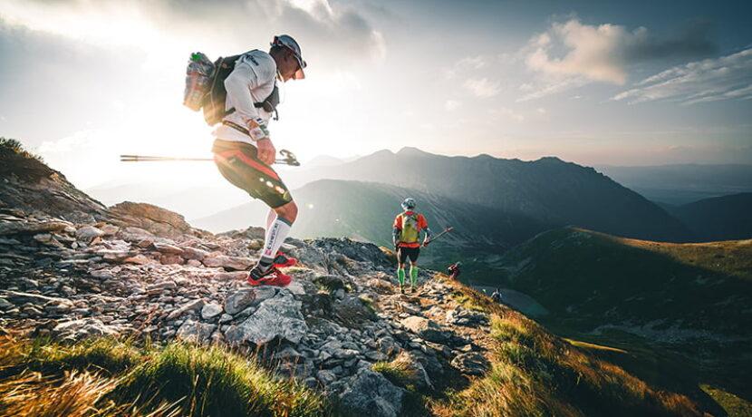 Trwa najpiękniejszy bieg w Polsce! Biegną 70 km granią Tatr (RELACJA LIVE)