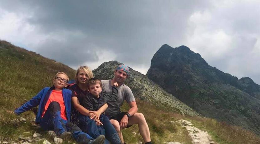 Chodzą po górach z dwójką niepełnosprawnych dzieci. Zdobyli Diadem Polskich Gór!